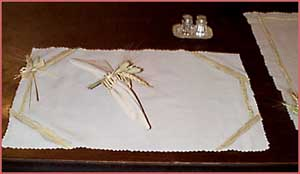 Placemat & matching napkins/napkin ring